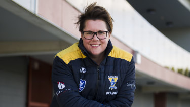 Bec Goddard went from Adelaide's inaugural AFLW premiership coach to assistant basketball coach in Canberra.