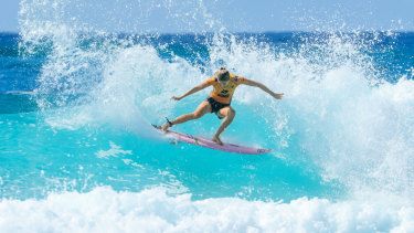 Stephanie Gilmore tears up a wave at Snapper Rocks.