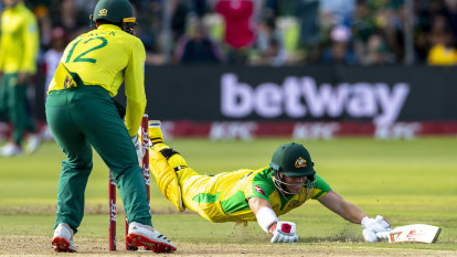 Warner can't save the day as Australia crash to defeat in South Africa