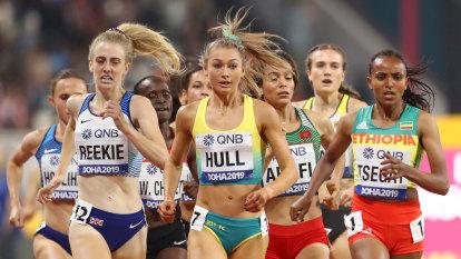 Australian runner distances herself from disgraced coach