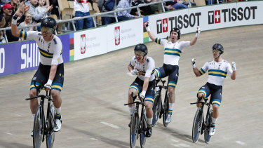 Australia celebrate their world record and victory in the men's team pursuit.