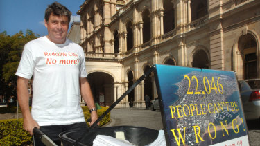 Then-Redcliffe mayor Allan Sutherland, now Moreton Bay mayor, campaigning against the amalgamation in 2007.