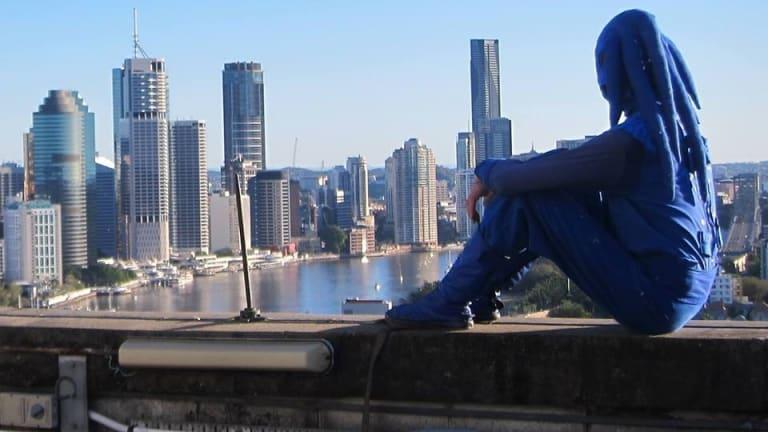 The Blu Art Xinja surveys his surroundings.