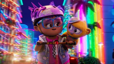 Gabi (voice byYnairaly Simo) and Vivo (voiced by Lin-Manuel Miranda) pair up in Vivo.