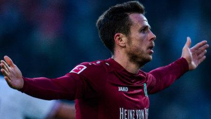 Wanderers sign former German international Nicolai Muller