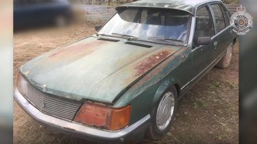 A green 1980 VC Holden Commodore sedan, similar to one believed to be owned by Greg's associate.