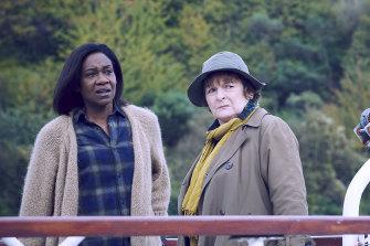Brenda Blethyn as Vera and Karen Bryson as Louise Wilmott in season 10 of Vera.