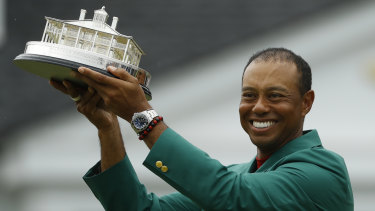 It's the first time Woods has donned the green jacket as the Masters golf winner in 11 years.