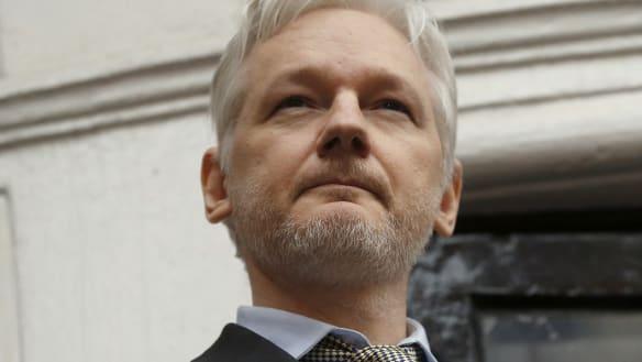 Assange hearing halted for lack of 'Australian'-fluent translator