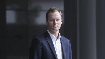 Billionaire Alex Waislitz questions Credible Labs sale to the Murdochs