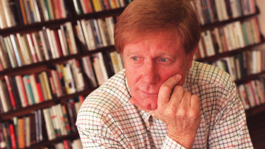 Retired broadcaster Kerry O'Brien handed back his AO to protest the Court decision.