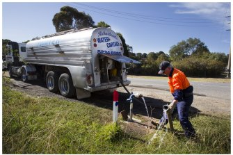 A string of regional centres was forced to truck in water during the Black Summer drought. The Productivity Commission says this should be a wake-up call for water policy.