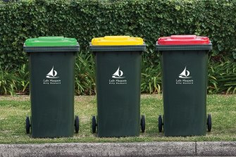 Australia will begin to unify the wide range of wheelie bins collection services after a meeting of environment ministers in April.