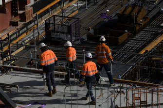 The Victorian government is actively considering mandating COVID-19 vaccination for the construction industry.