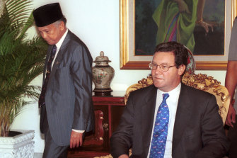 Then foreign minister Alexander Downer, right, meets with Indonesian President B.J. Habibie in Jakarta, July 1999.