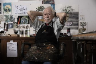 Artist Guy Warren has been making art for 85 years. On June 4, a portrait of him painted by Peter Wegner won the Archibald Prize.