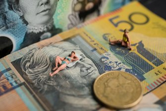 Slow wages growth could lead to social problems, research for the RBA has suggested as the bank searches for reasons why Australians' pay packets are not swelling