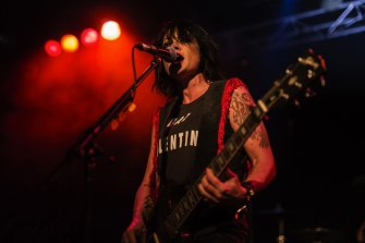 Sarah McLeod of The Superjesus drew songwriting inspiration from Oasis.