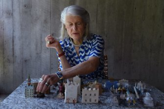 An architect who has also been involved with the arts all her life, Penelope Seidler has funded a new visual literacy initiative at Sydney University.