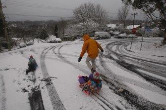 Fun in the snow at Katoomba.