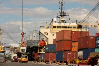 The Defence Department is reviewing Landbridge's ownership of the Port of Darwin.