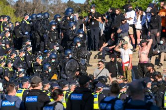 Police move in on protesters at the Shrine of Remembrance in Melbourne.
