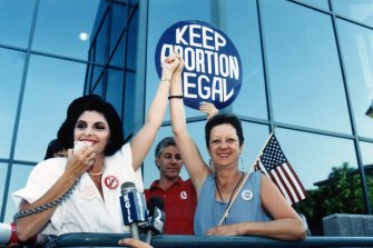 Attorney Gloria Allred and Norma McCorvey, right, at a pro-choice rally in 1989.
