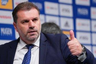 Thumbs up for the Yokohama F. Marinos coach.