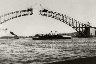 The Sydney Harbour Bridge under construction in 1930.