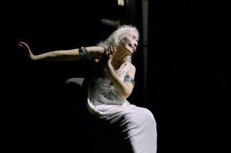 Eileen Kramer in a dance project in 2017.