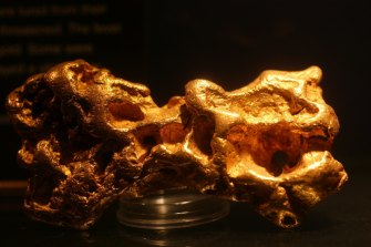 Gold prices fell on the release of the US Fed's minutes, but have since recovered ground.