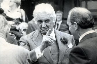 Sir John Kerr in 1977.