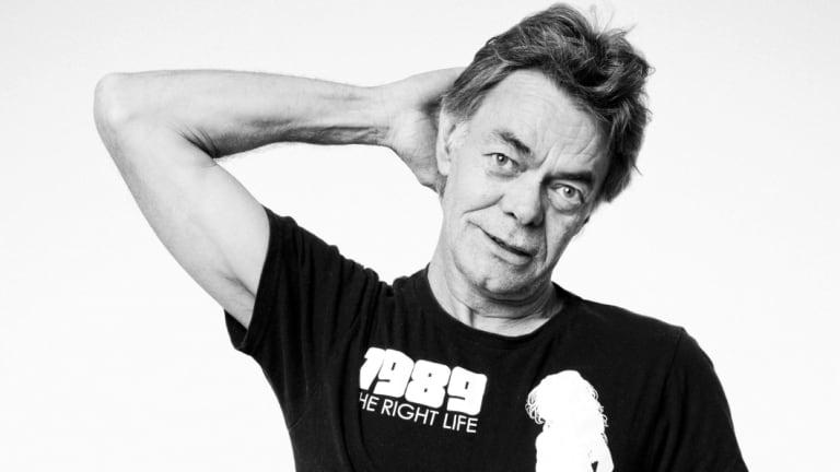 Guitarist Phil Emmanuel has died.