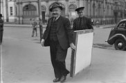 An artwork related to the Dobell case is transported to Victoria Square Courts on October 23, 1944
