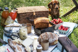 The posh picnic... it's the new glamping.