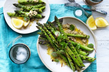 Barbecued asparagus with tarator.