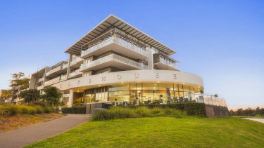 A waterfront restaurant on the Maribyrnong River traded for $2.4 million.