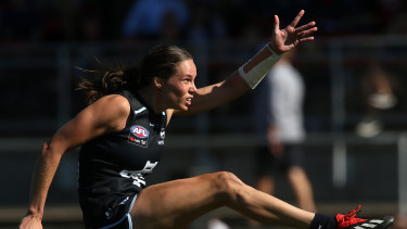 Chloe Dalton in action for the Carlton Blues in the AFLW.