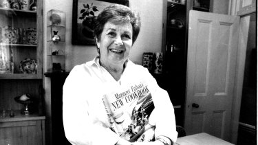 Margaret Fulton with her cook book in 1993.