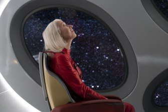 Helen Mirren is on a one-way solo trip into outer space in Solos.