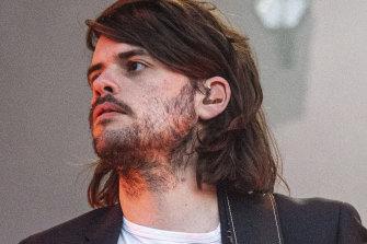 Mumford & Sons guitarist quits to speak his mind freely on politics