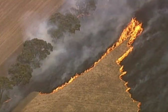 This fast-moving grass fire at Strathallan.