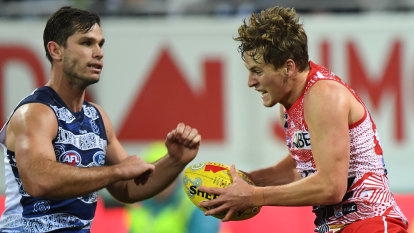 Geelong's Hawkins escapes ban in MRO ruling