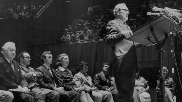 Patrick White speaking at the Opera House in support of Gough Whitlam in 1974.
