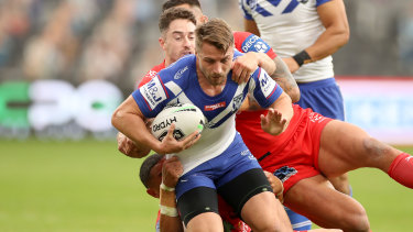 The Bulldogs have started preliminary talks with Kieran Foran about a new deal at the club.