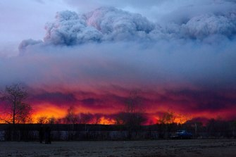 Fires in the northern hemisphere's boreal forest will add to the atmosphere's carbon dioxide emissions.