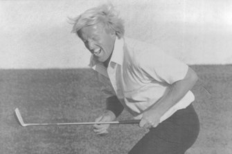 Norman reacts to missing a birdie shot on the 18th in 1987.