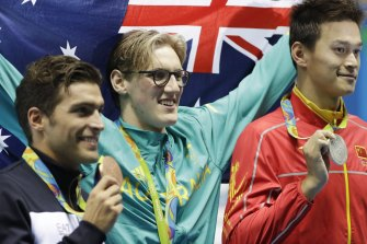 Mack Horton celebrates after beating Sun Yang in the 400 metres freestyle in Rio.