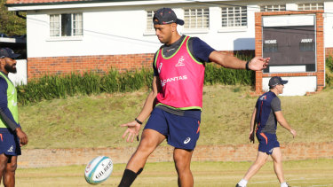 Christian Lealiifano's return to the Test arena has been put on ice.