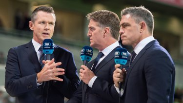 Tim Horan (middle) says World Rugby is about to hand out loans to tier one nations.